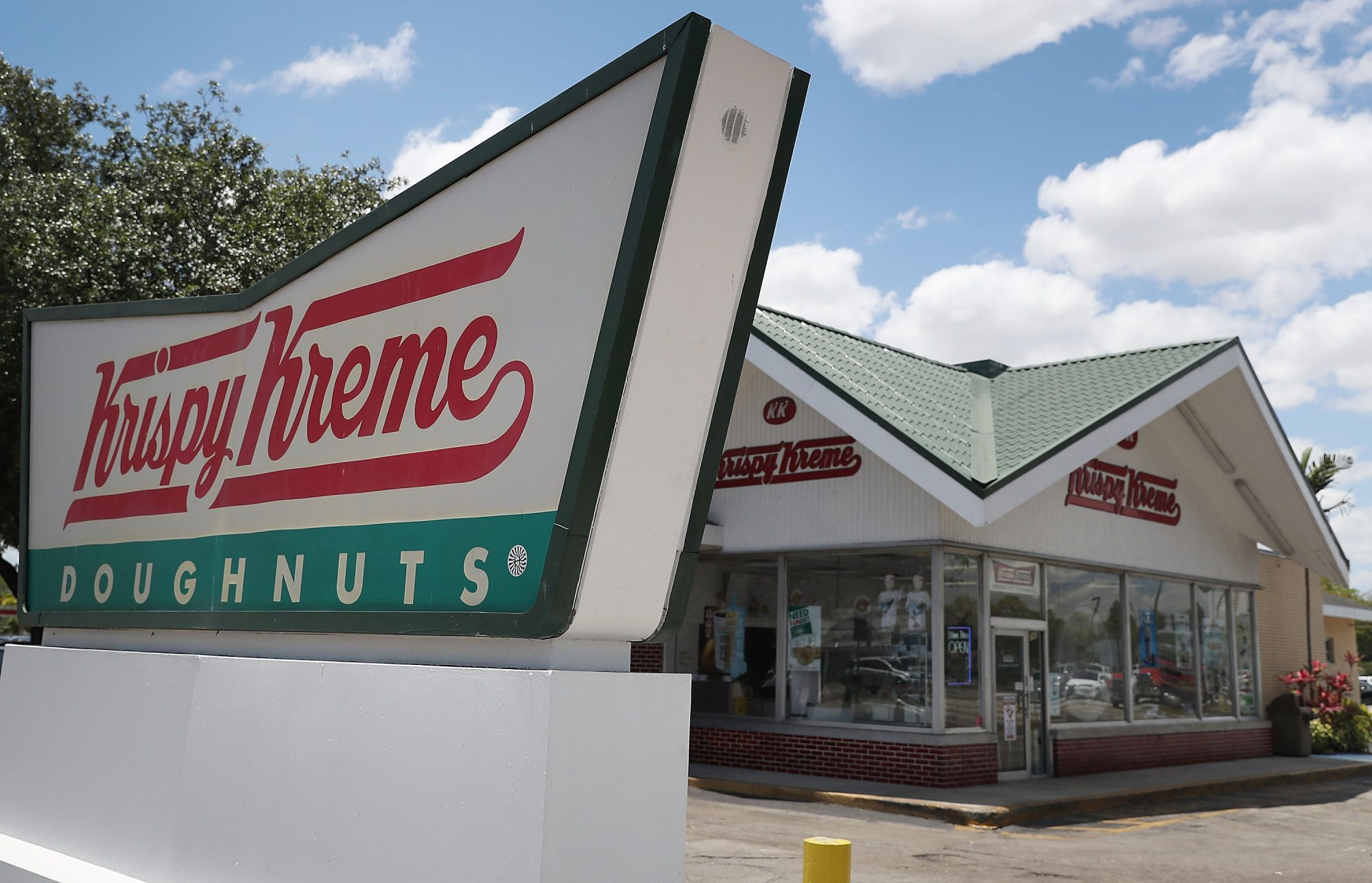 Krispy Kreme Exterior and Sign