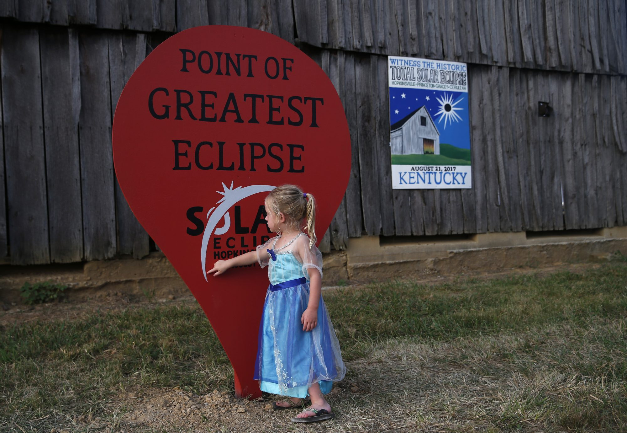 little girl waiting for eclipse