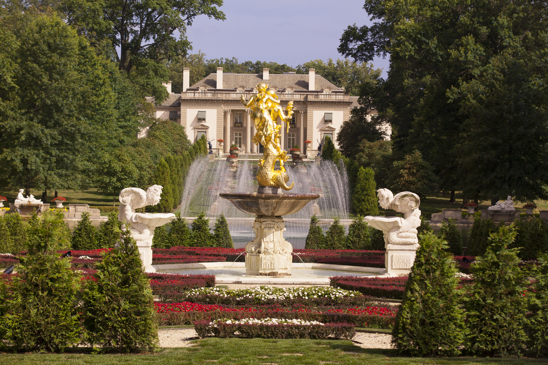 Delaware: Nemours Mansion and Gardens in Wilmington