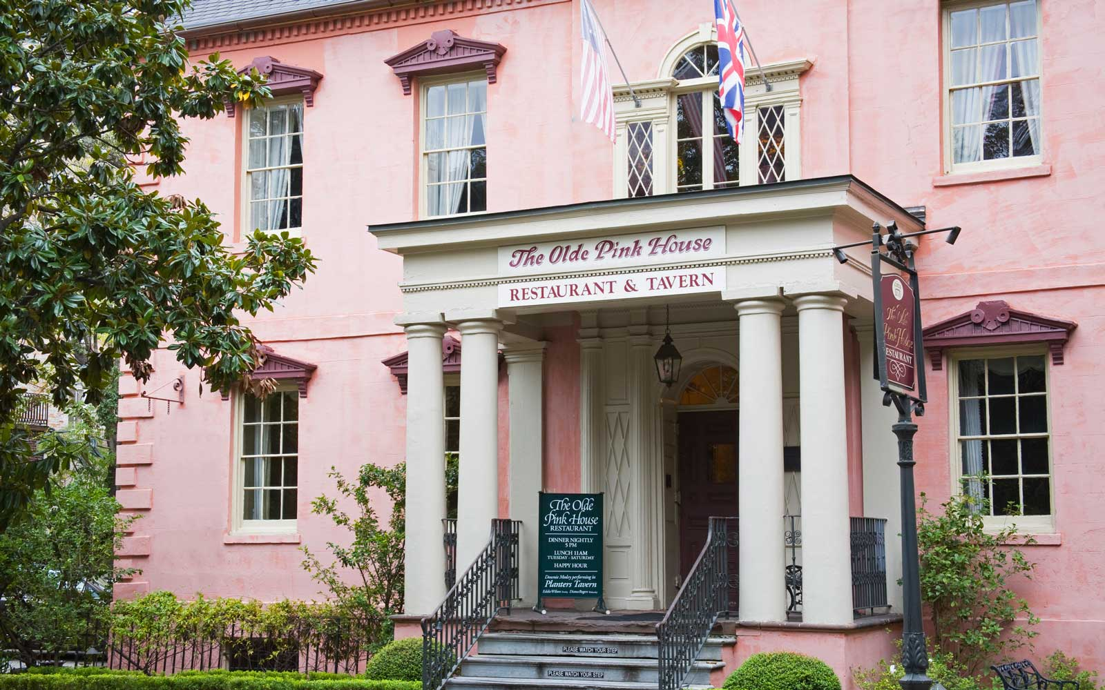 The Olde Pink House Restaurant, Reynolds Square, Savannah, Georgia