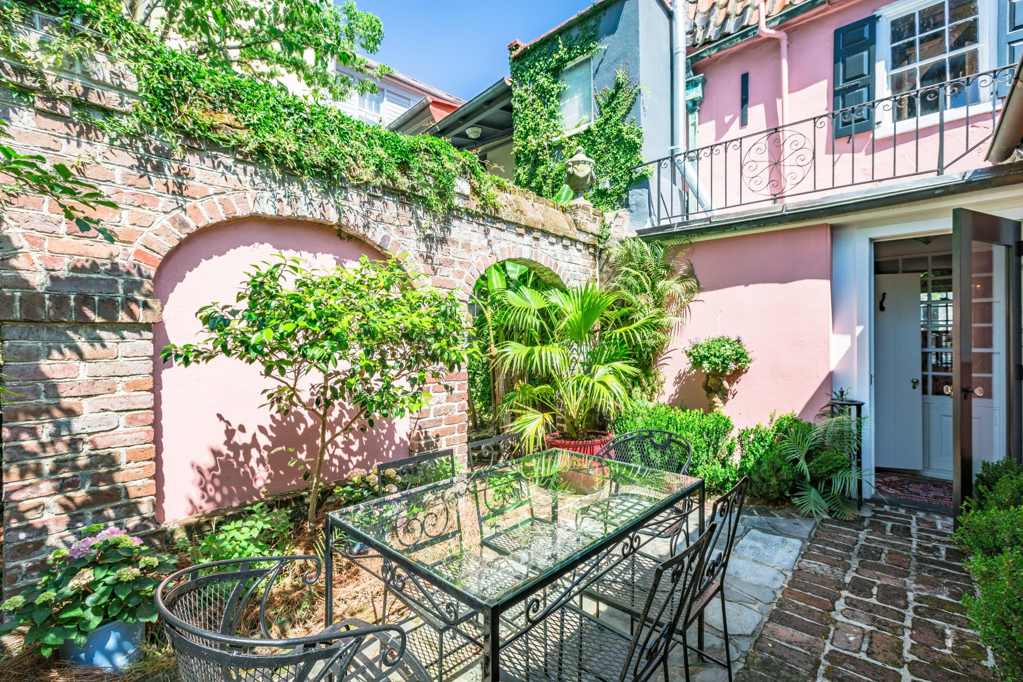 Charleston Pink House Courtyard Oasis