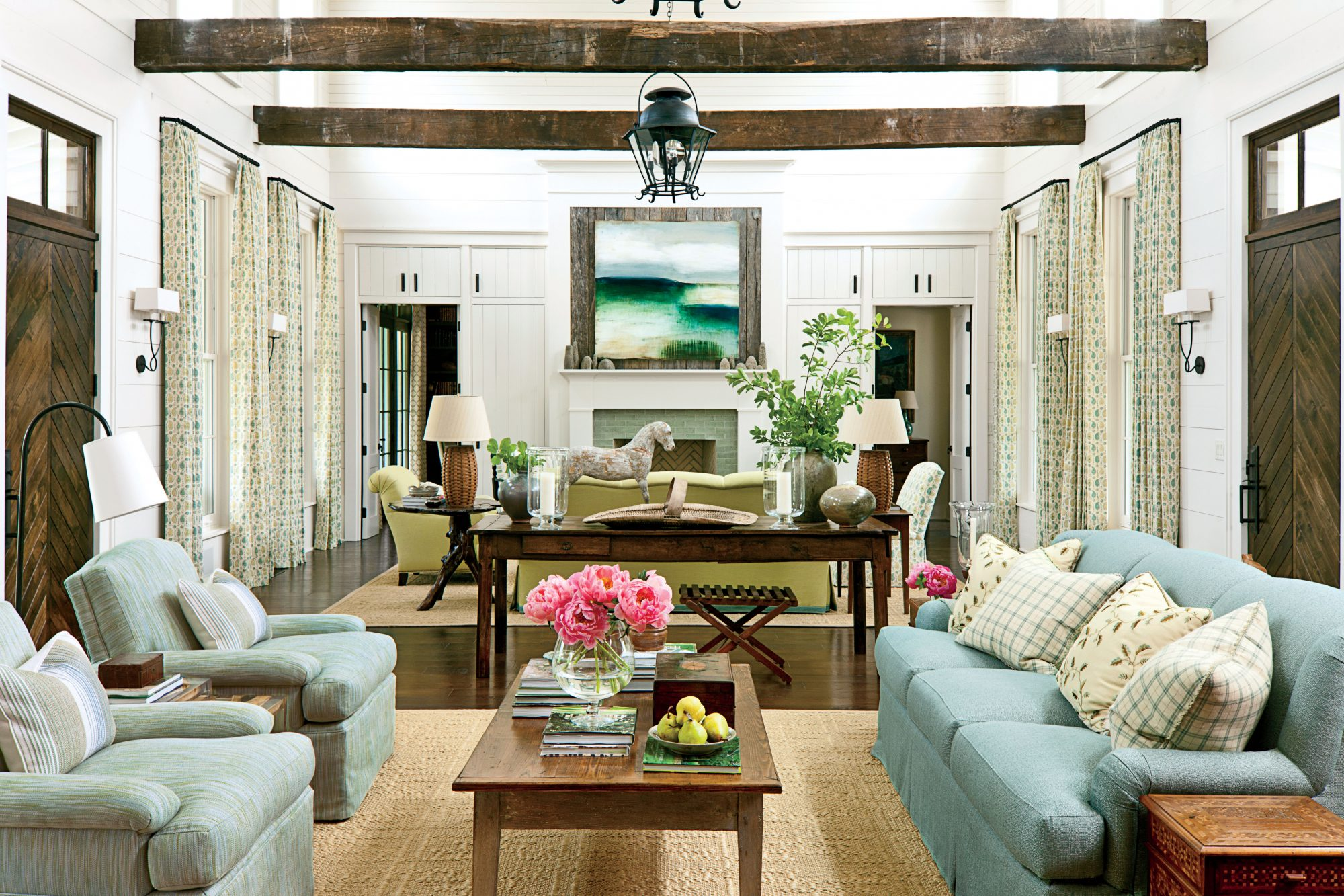 balance rustic elements - Photos Of Interior Design Living Room
