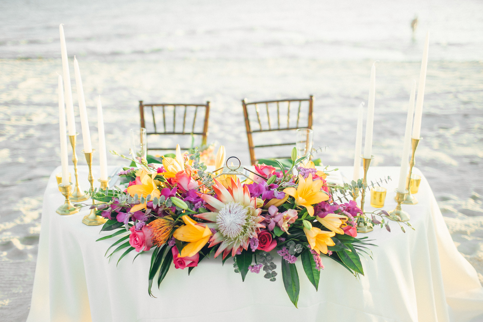 Moogan Head Table