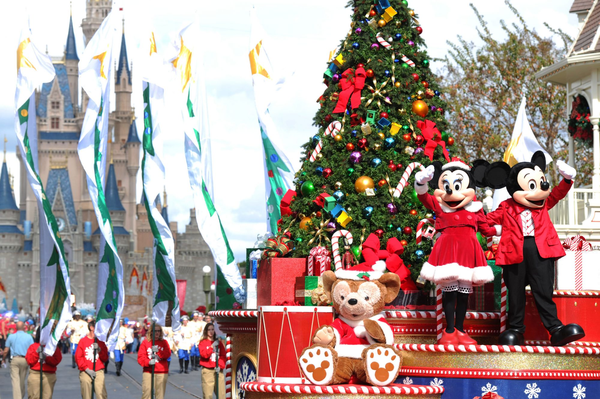 Mickeys very merry christmas party is back at magic kingdom and disney christmas parade voltagebd