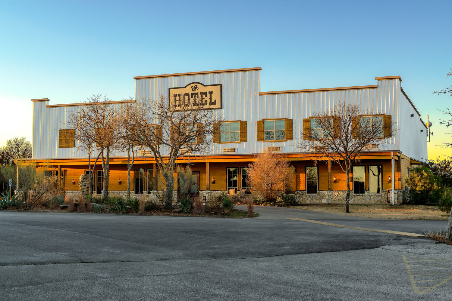 Welcome to the Wildcatter Hotel