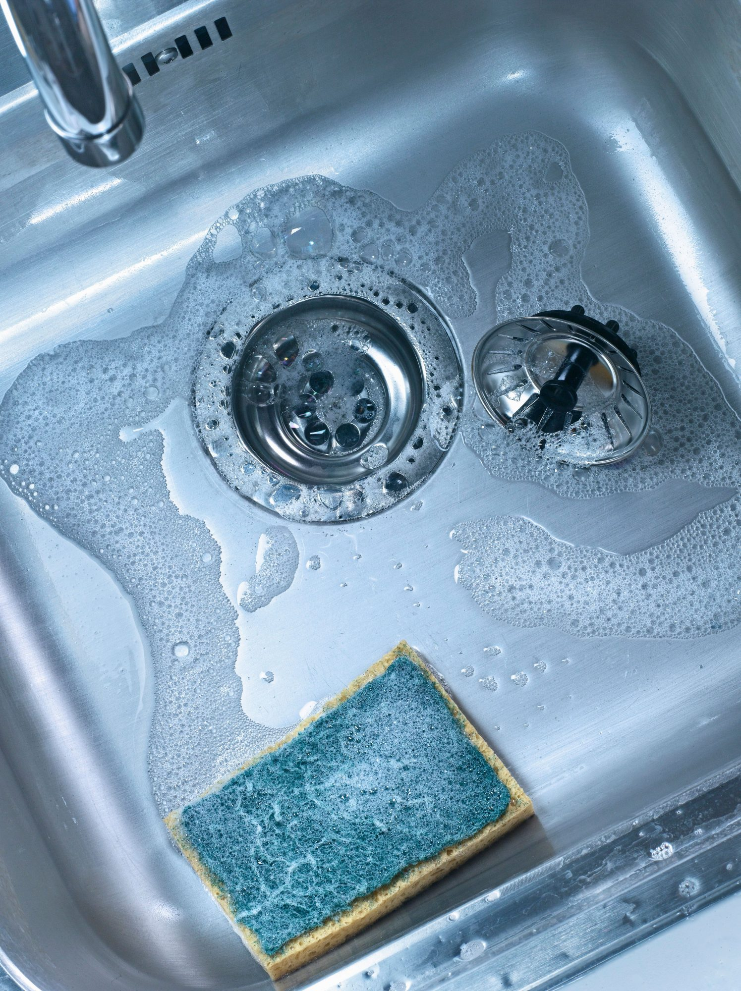 Smelly Sink Garbage Disposal.There Is A Right Way To Clean Your ...