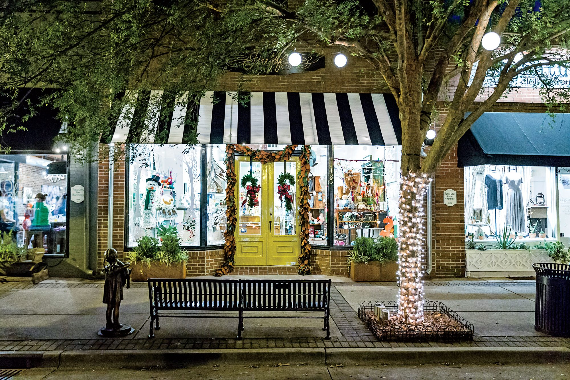 Firefly Shop Exterior in Thomasville, GA