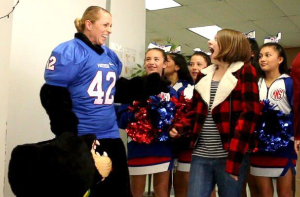 Lacey Poltoratskiy Surprises Children at School