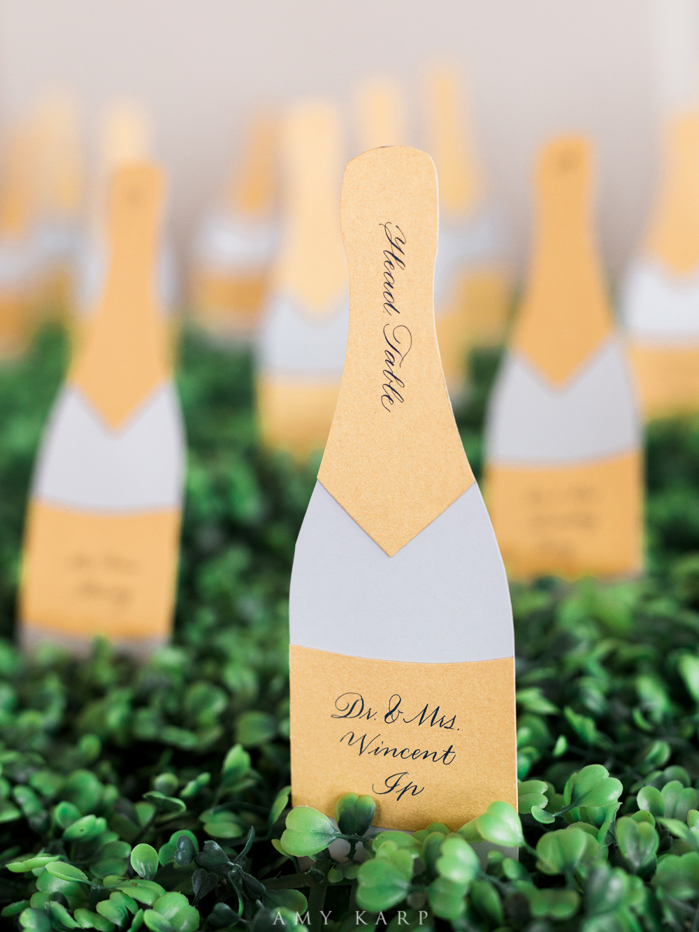 Use Champagne-Inspired Décor