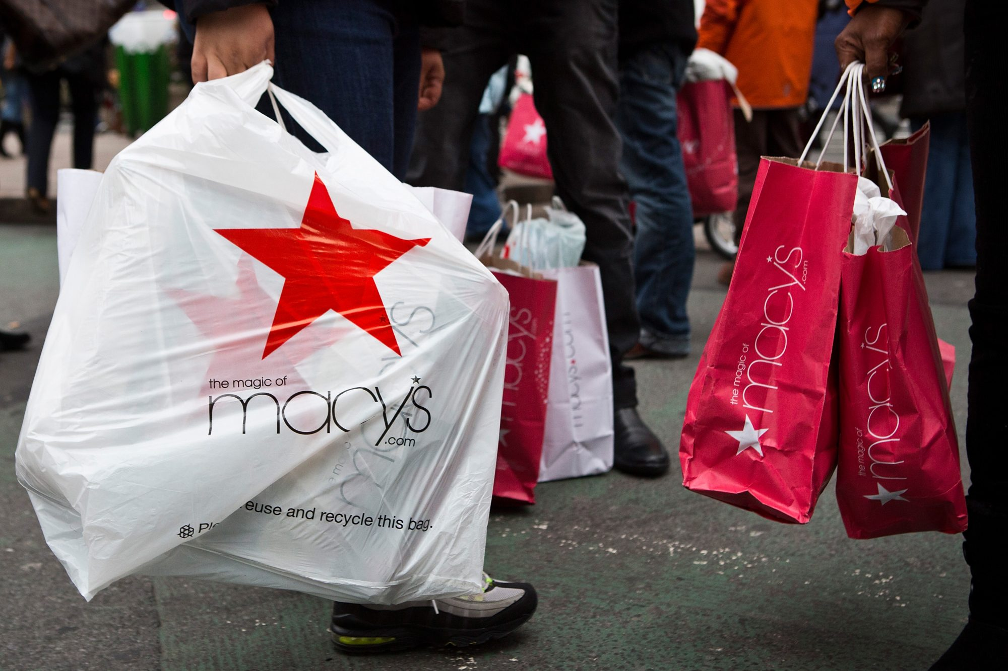 Shoppers Flock To Post-Christmas Sales