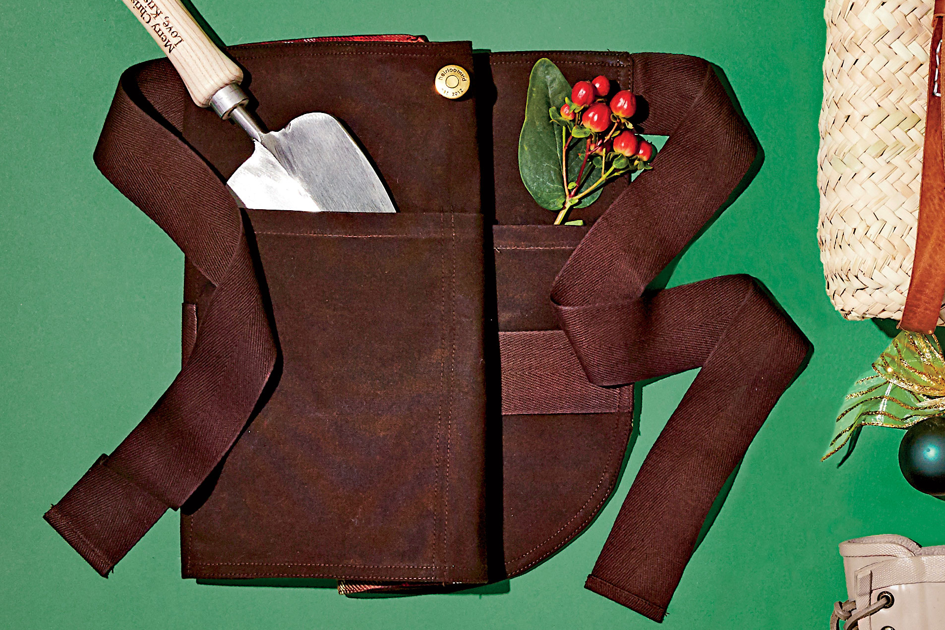 Waxed Canvas Collection Farm-to-Table Garden Apron