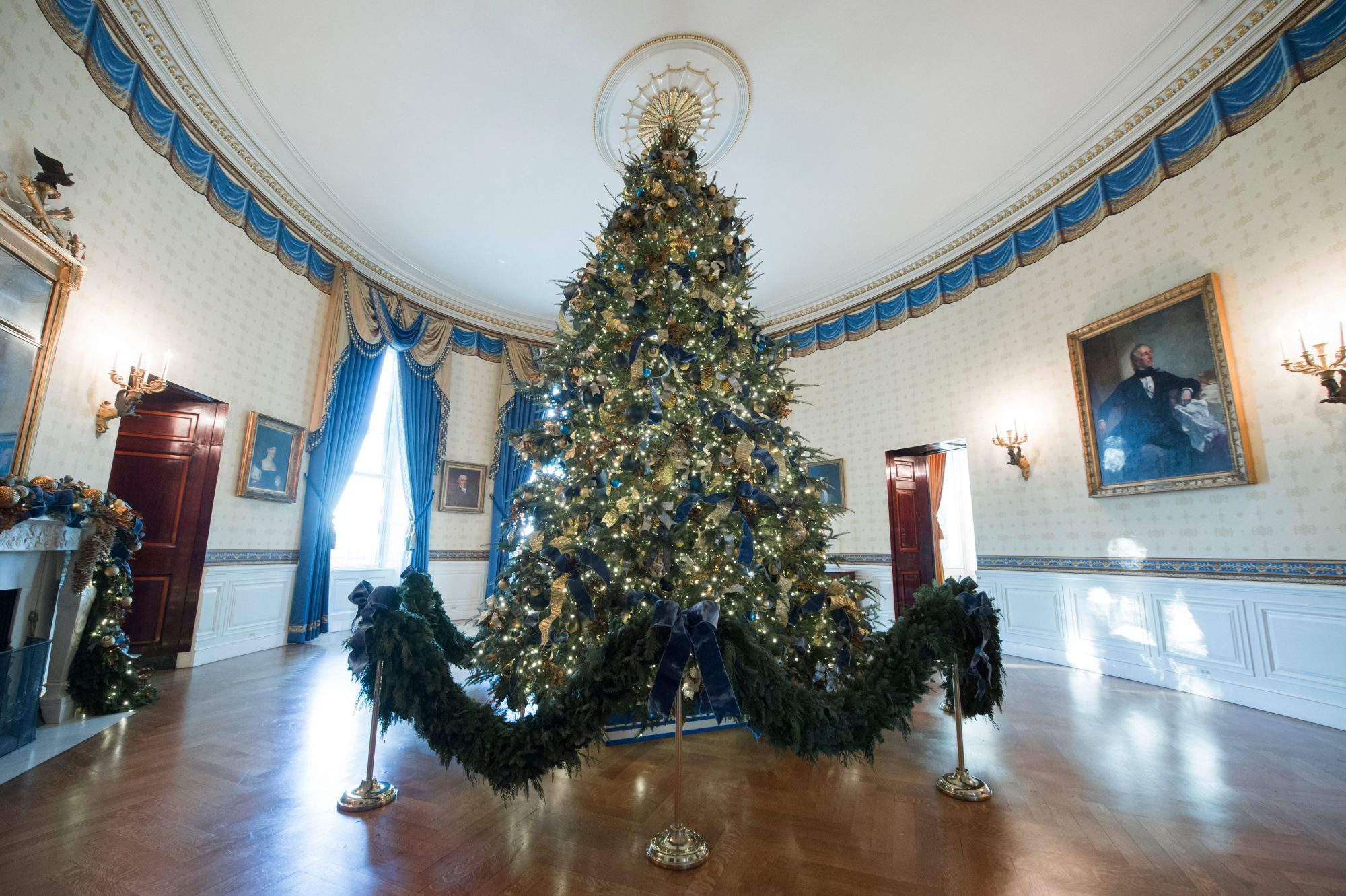Hgtv is airing its white house christmas special this week White house christmas 2017 hgtv