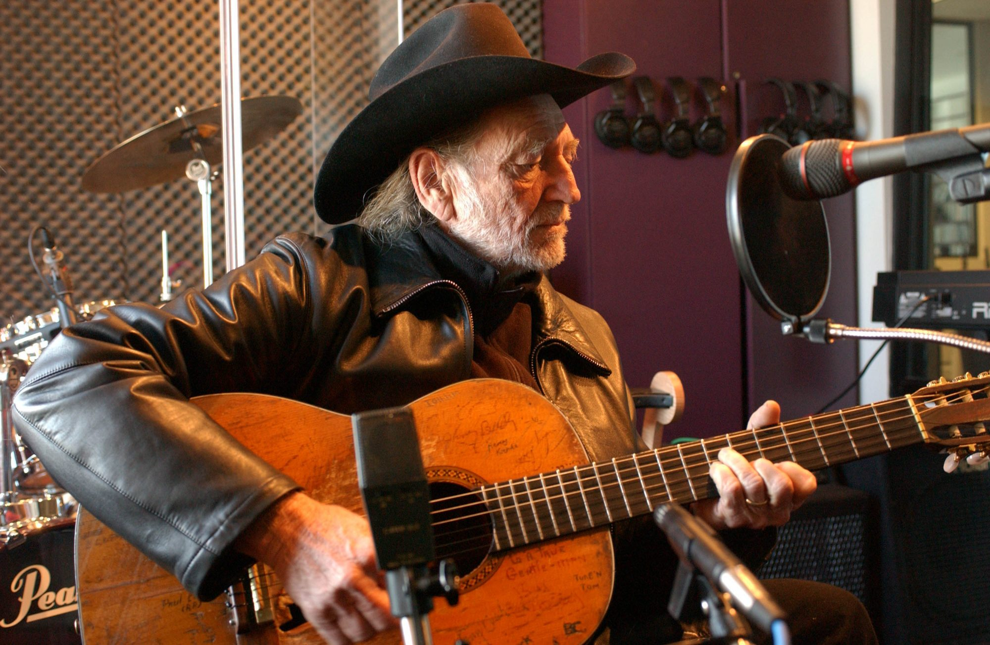 Willie Nelson in Studio