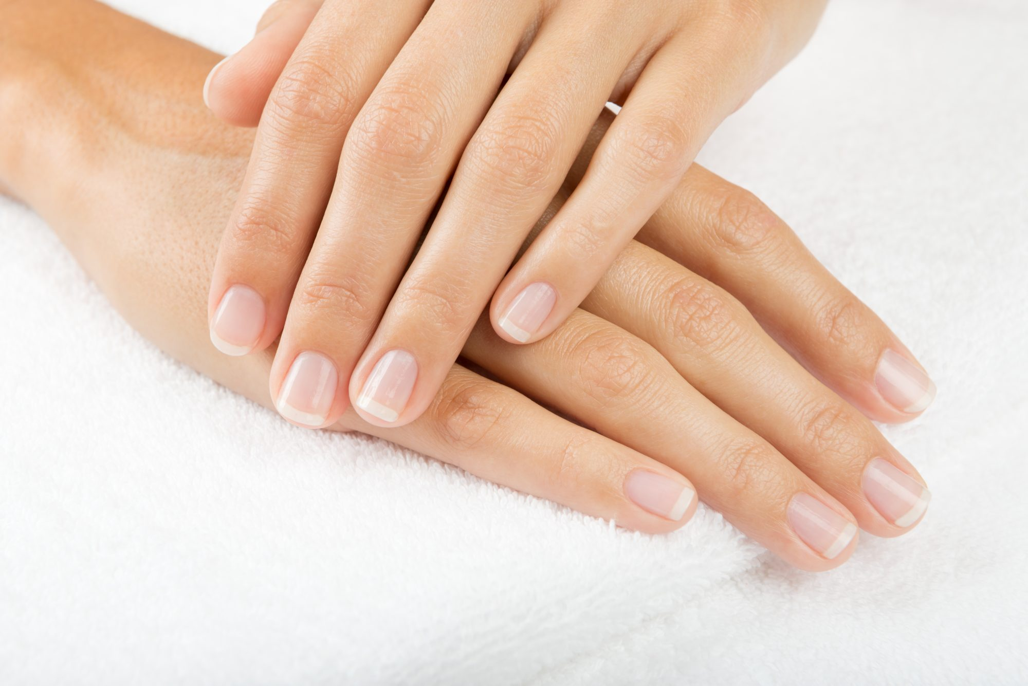 How to Whiten Nails with Toothpaste