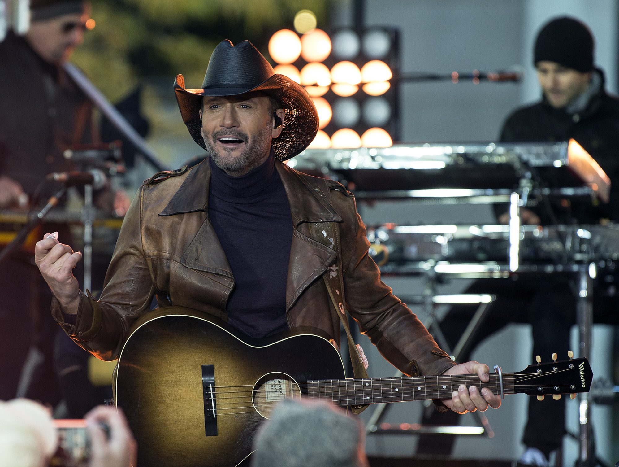Tim McGraw Performing