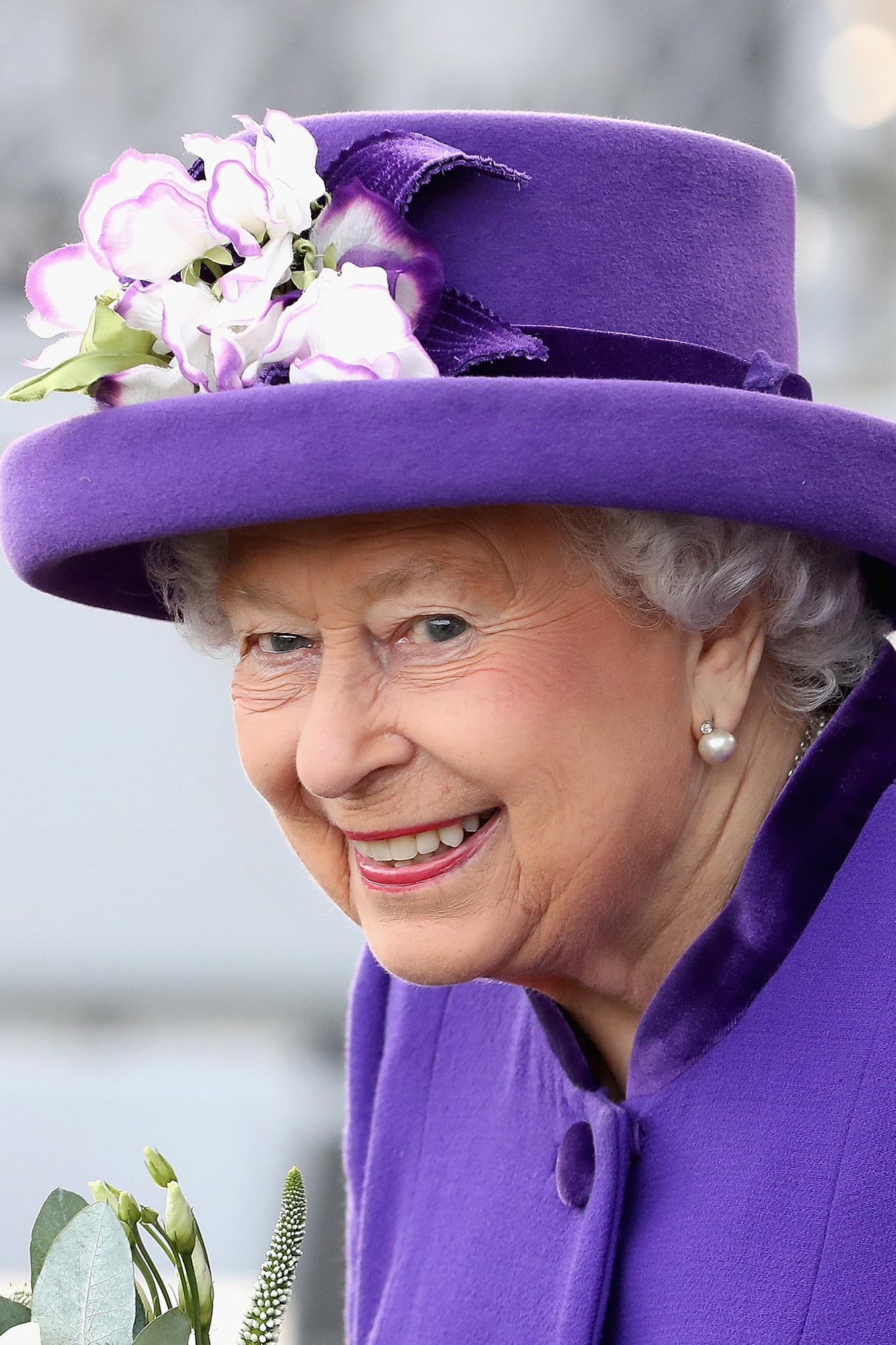 The Reason People Can't Stop Reading Queen Elizabeth's Wikipedia Page