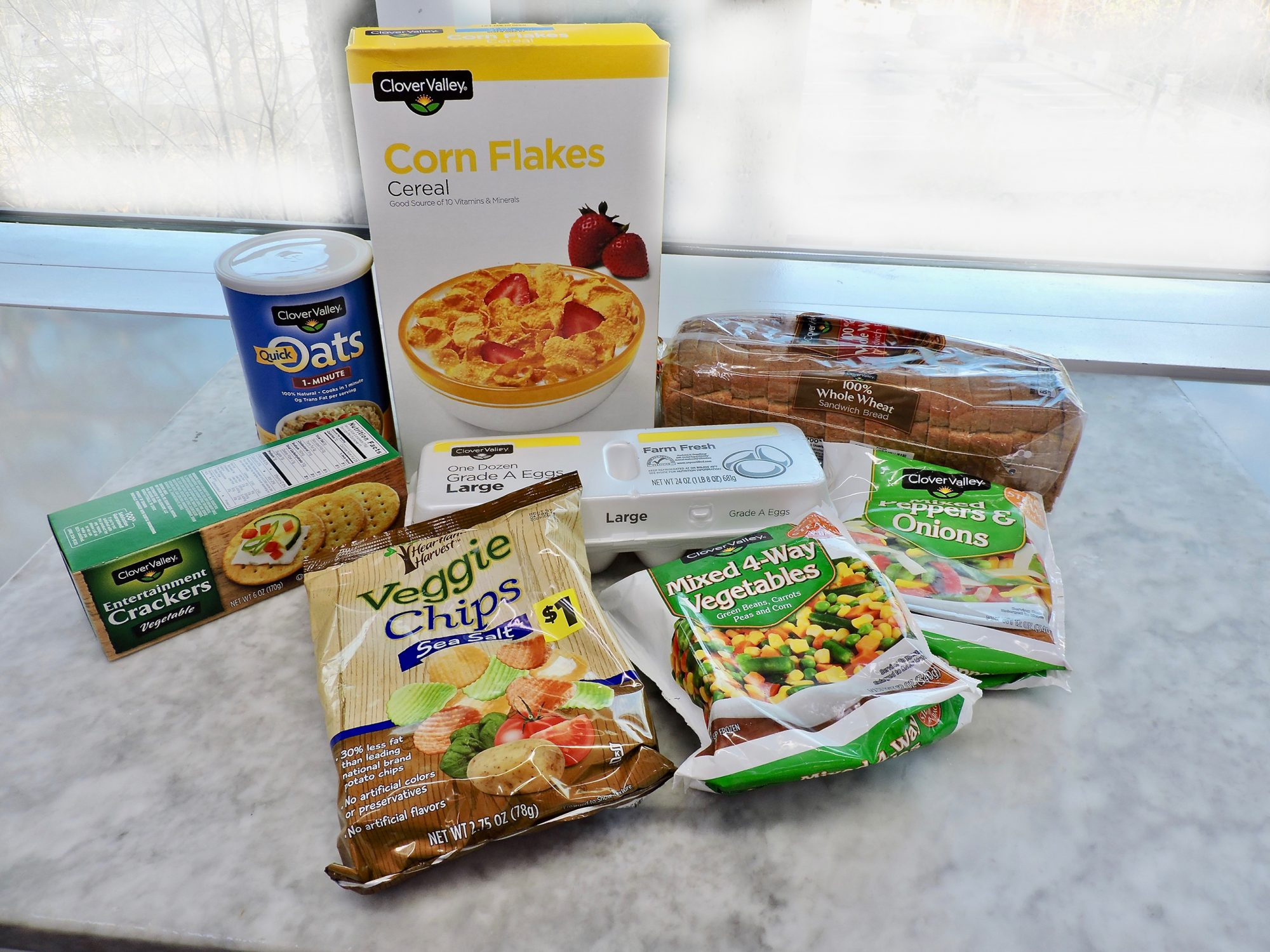 10 Surprisingly Healthy Foods You Can Buy at Dollar General