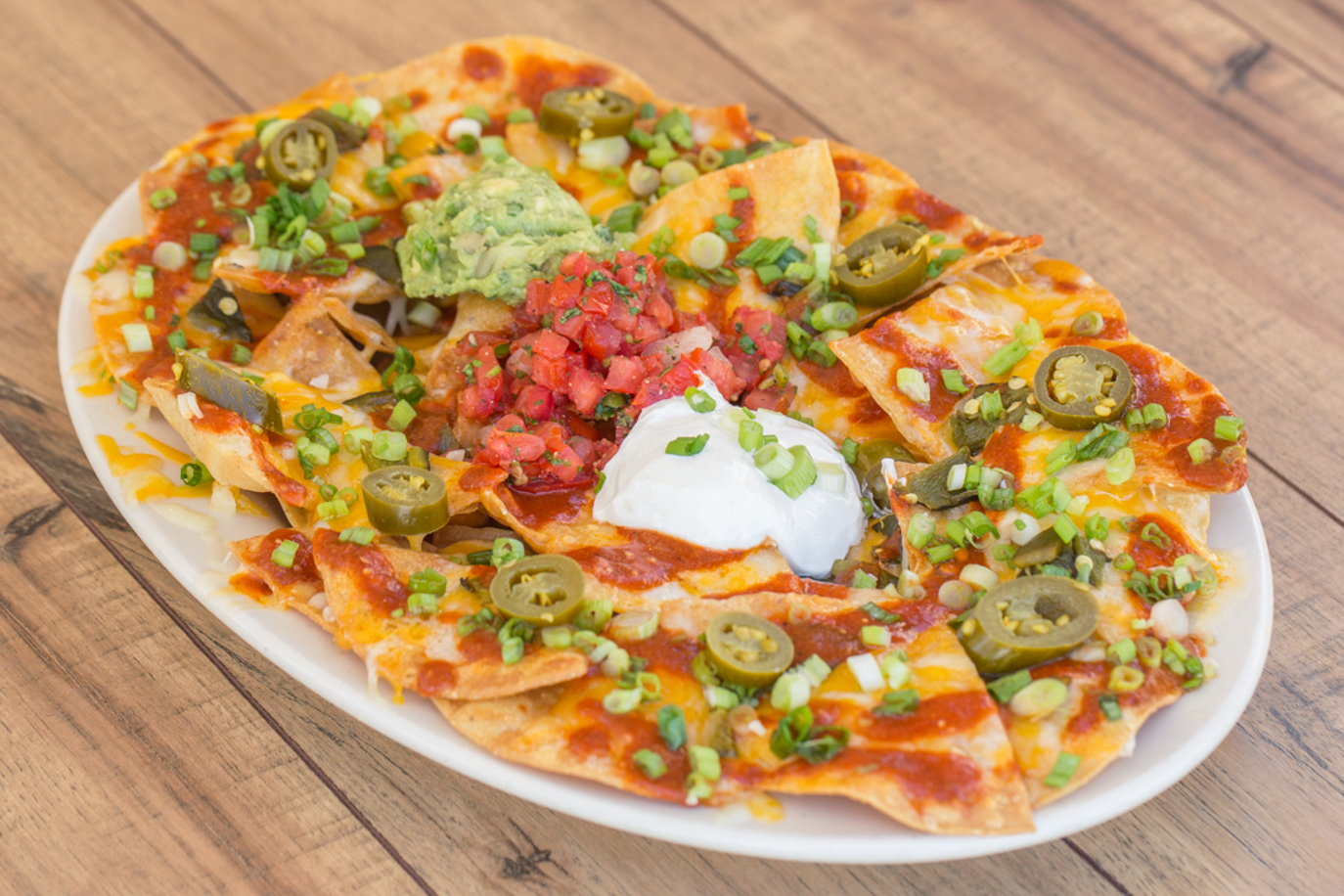 18023-cheesecake-factory-main-dishes-factory-nachos
