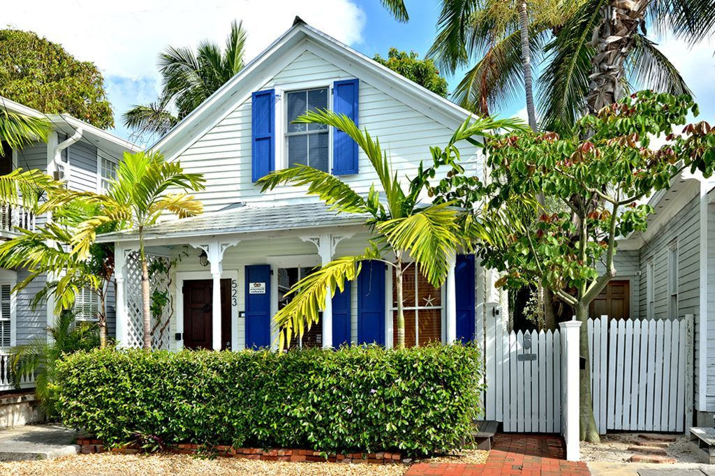 Tiny Colorful Key West Rental Exterior