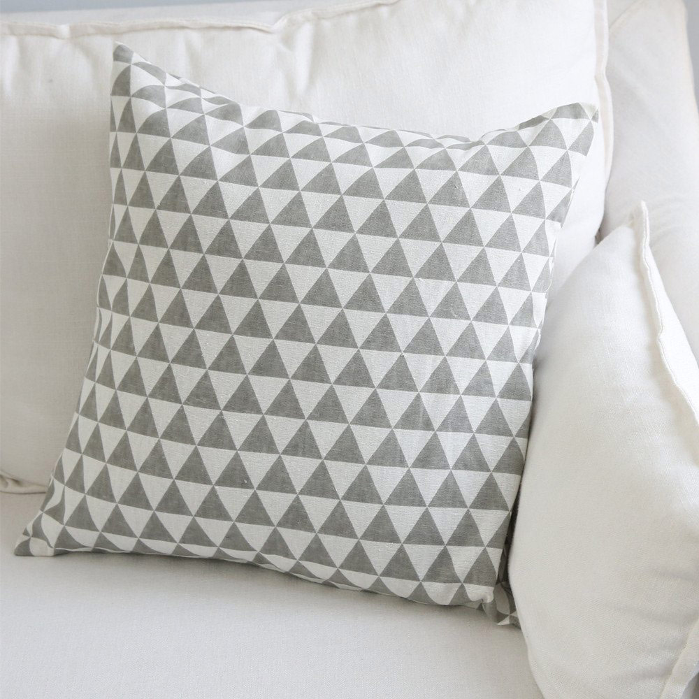 Aimeer Throw Pillow