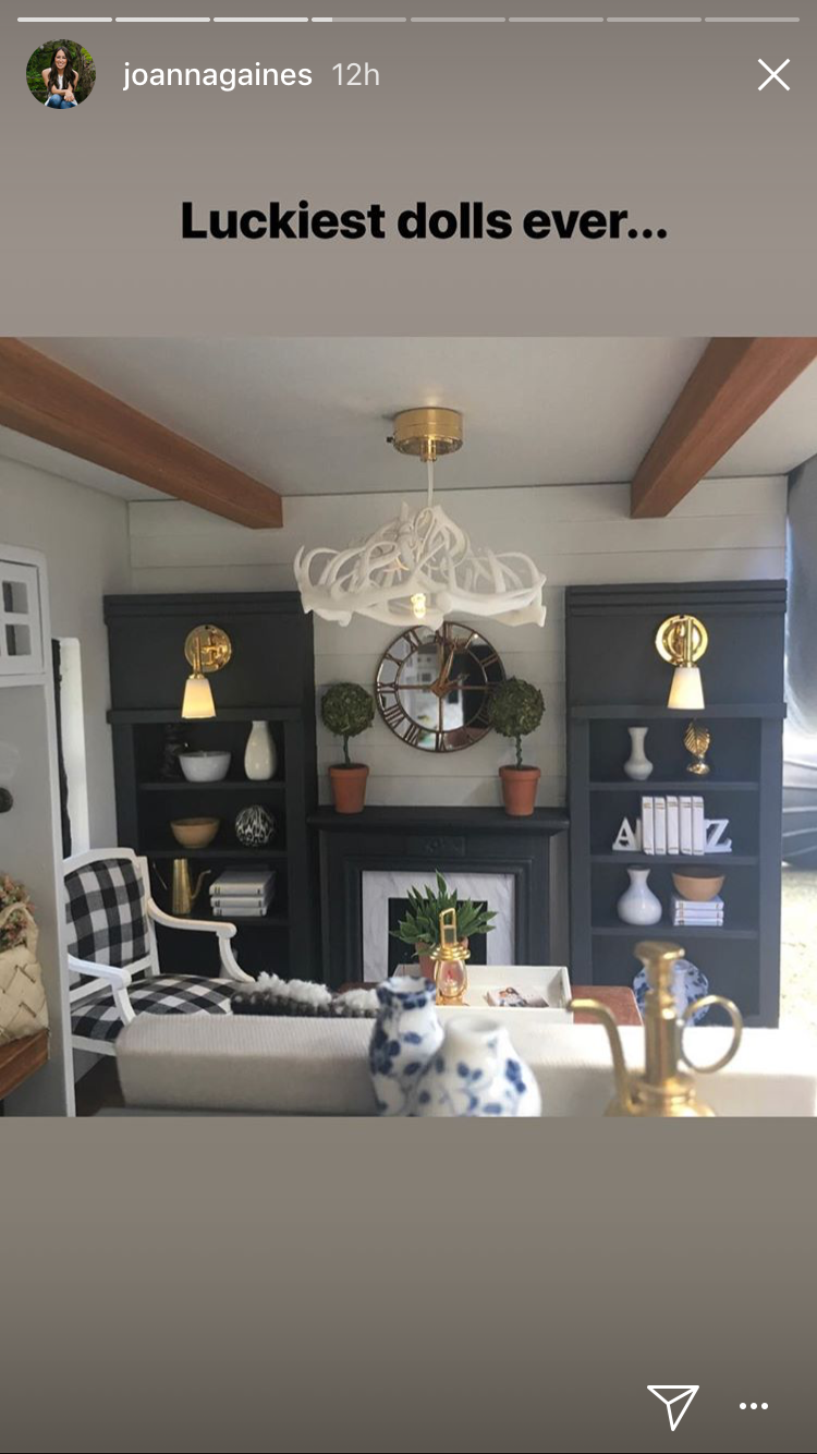 Joanna Gaines 'Can't Get Over' This Unbelievable Fixer Upper-Inspired Dollhouse img_7445