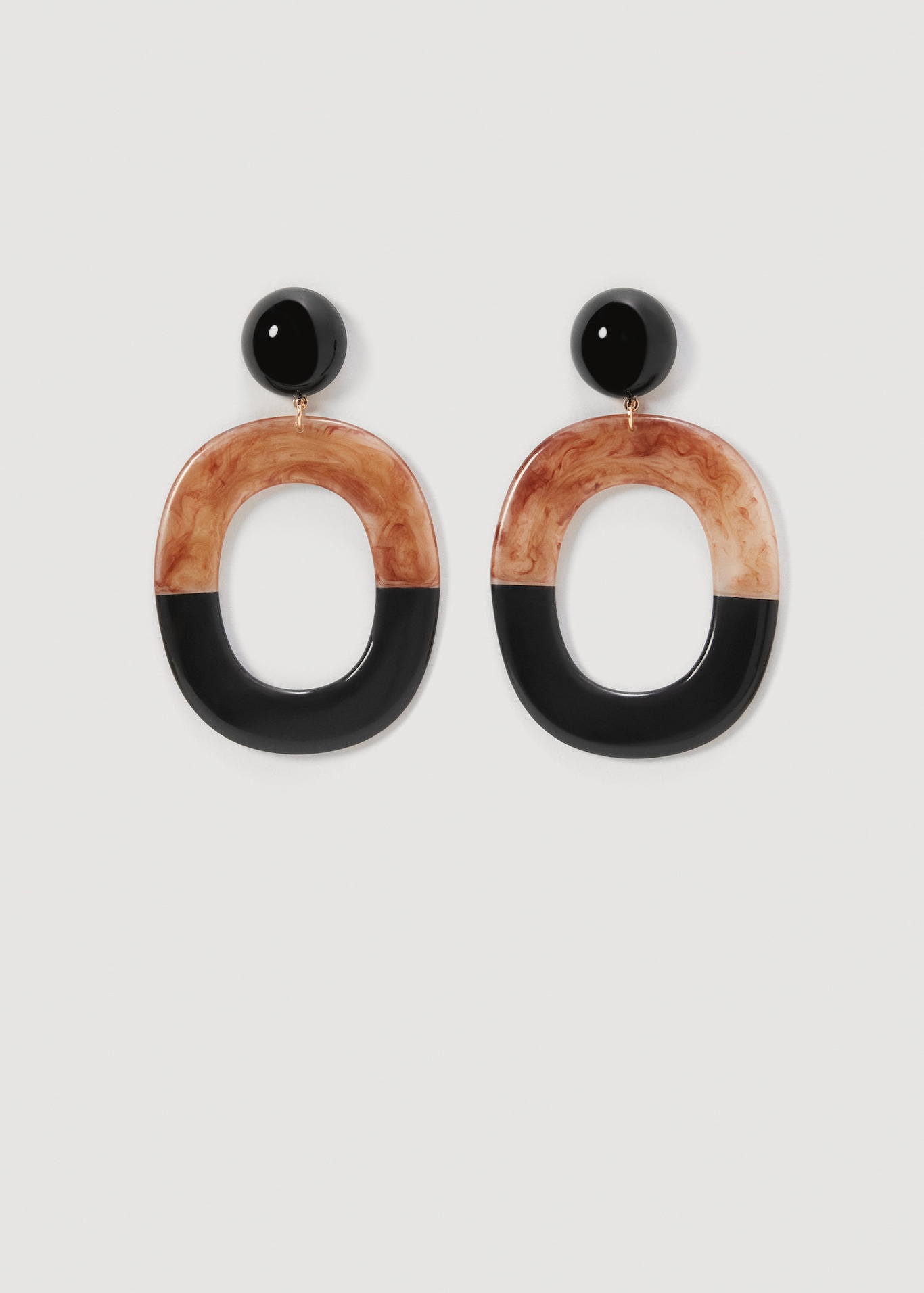 Resin Earrings Are the Only Accessory You Need to Buy for Spring mango1