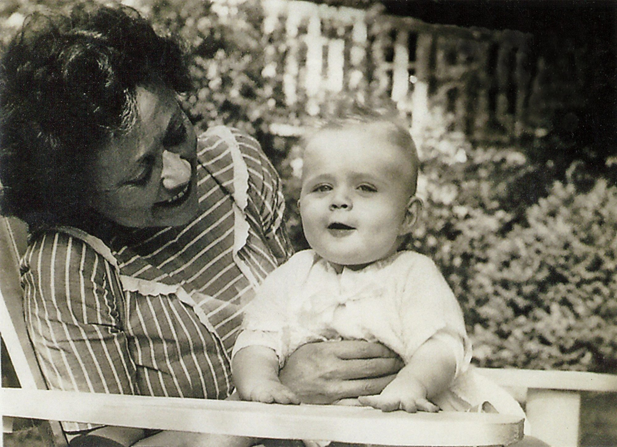 Lee Smith with Mother Gig in 1945