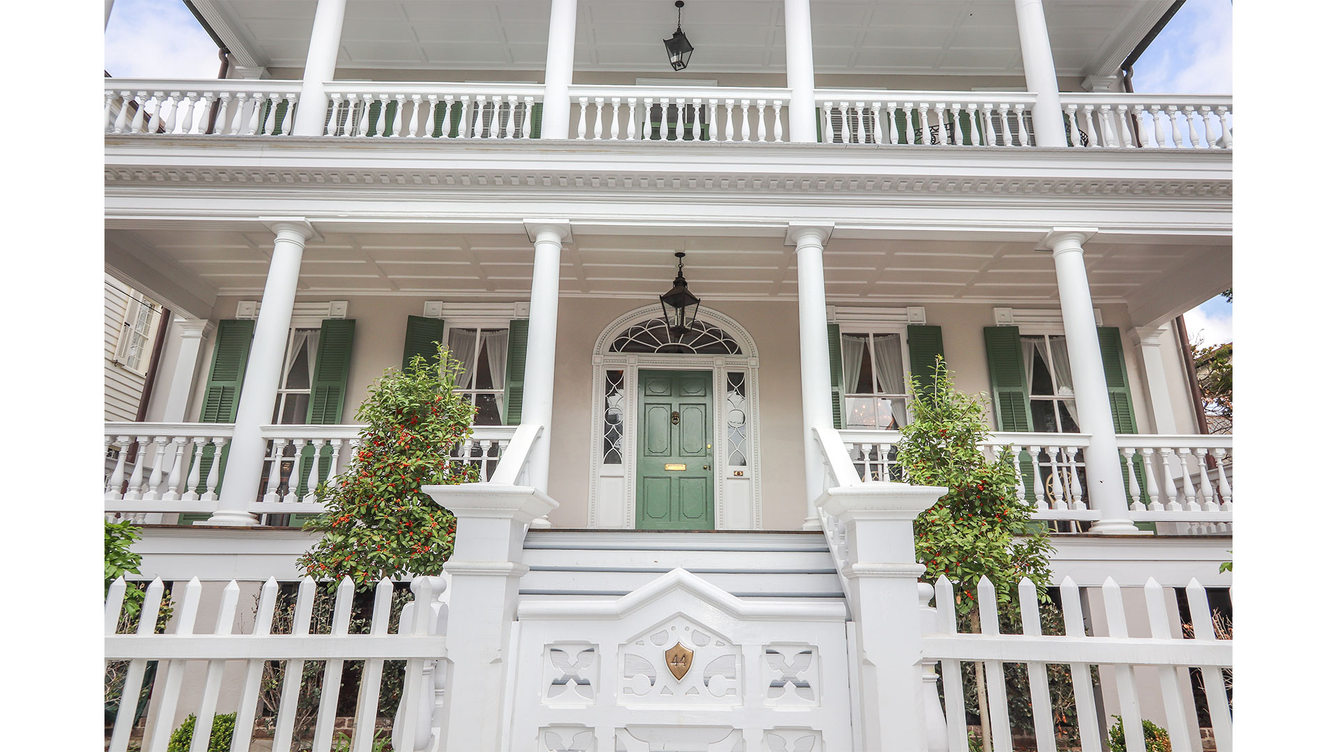 Southern Living 44 Battery Charleston Exterior Close
