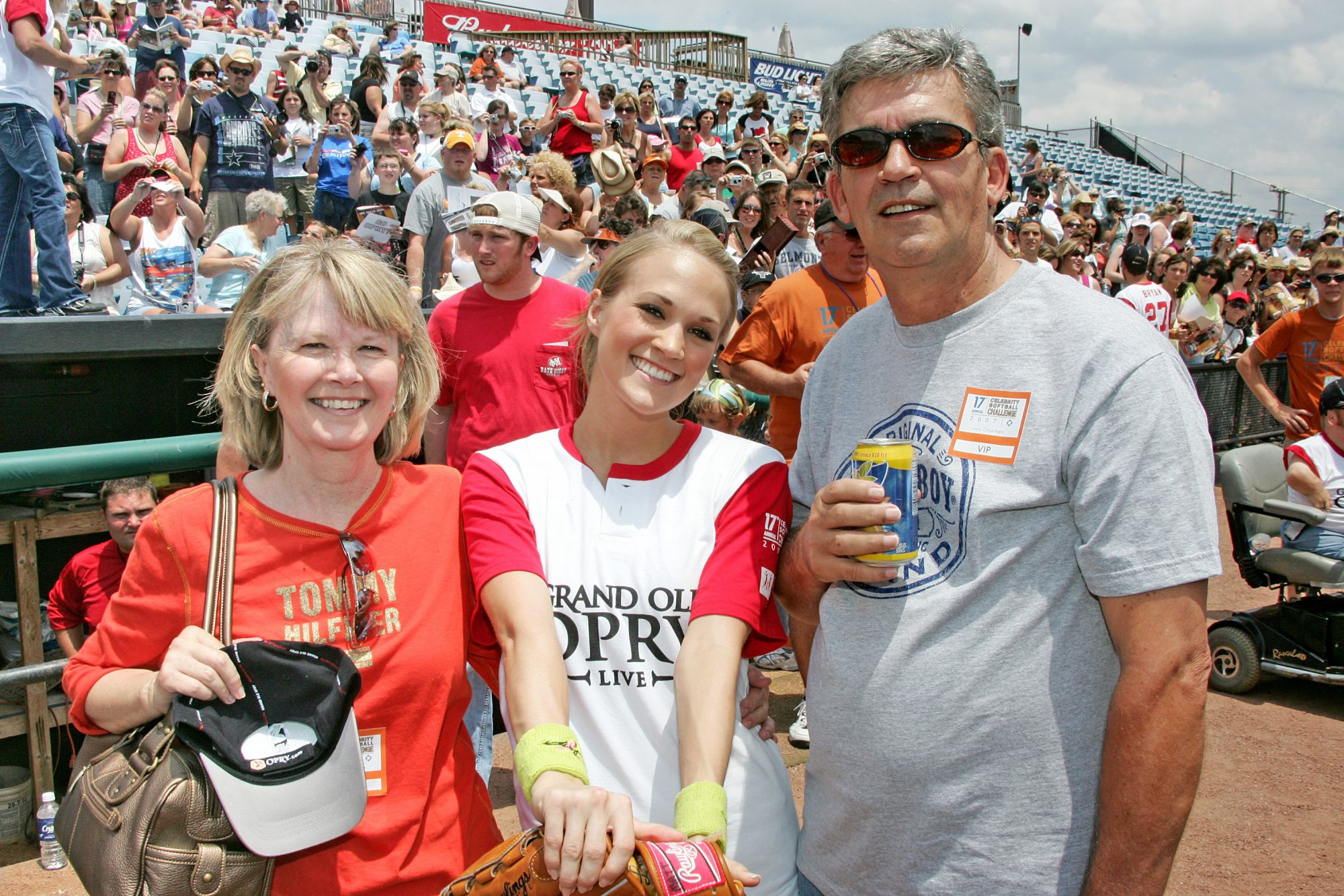 Carrie Underwood and Parents Carole and Stephen