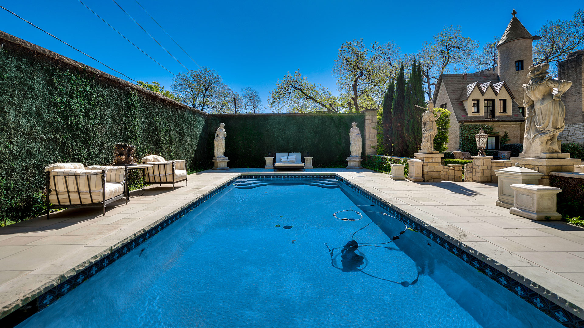 Southern Living Dallas Chateau Des Grotteaux Pool