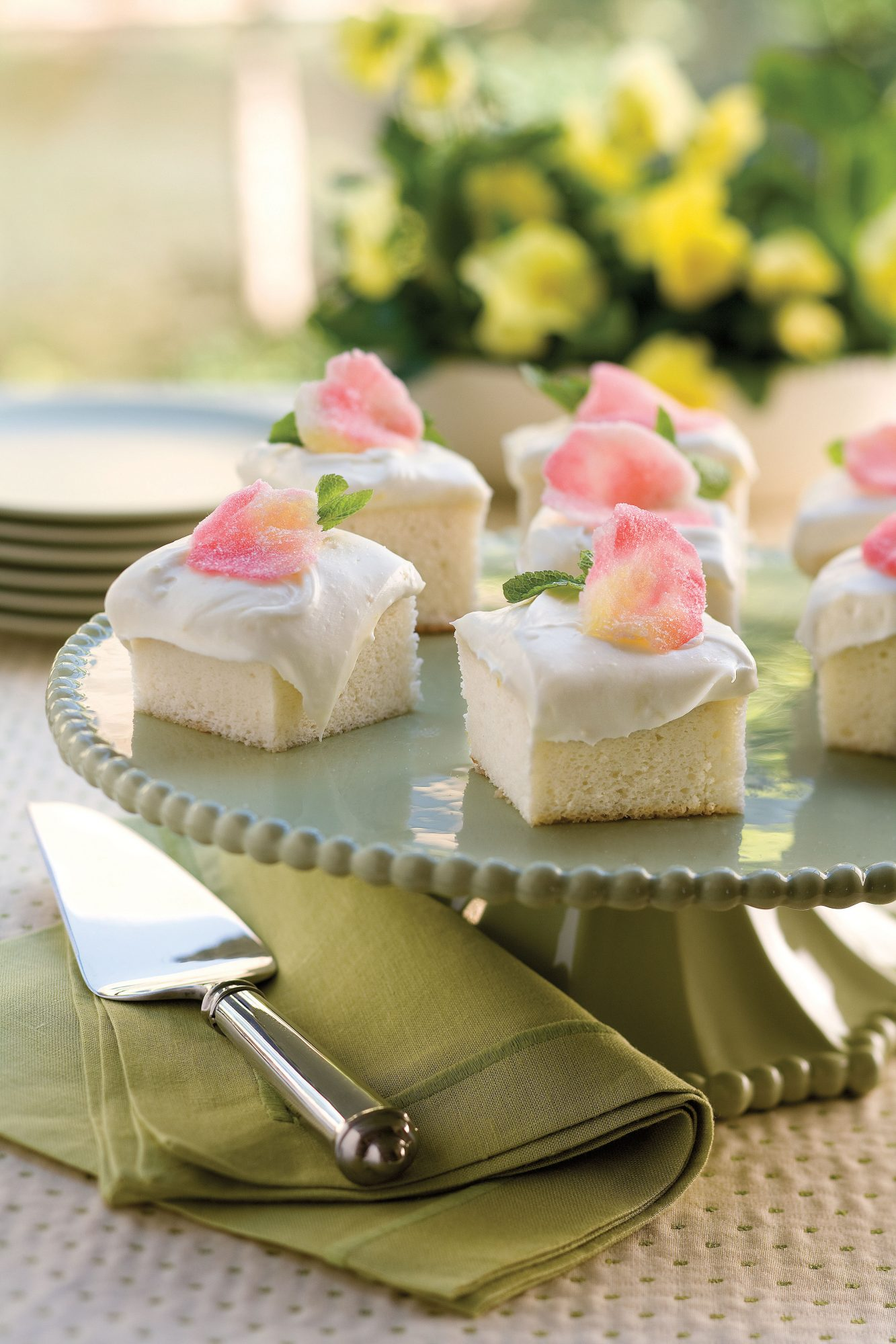 Heavenly angel food cake recipe southern living forumfinder Choice Image