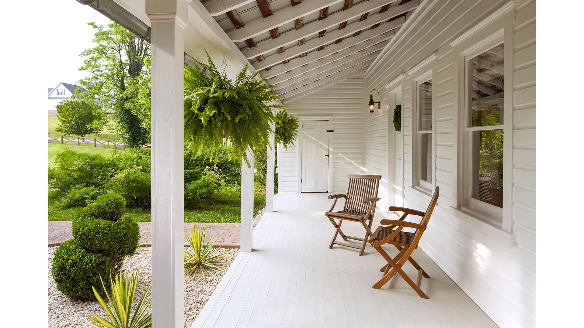 Ultimate Porch-Sitting Experience