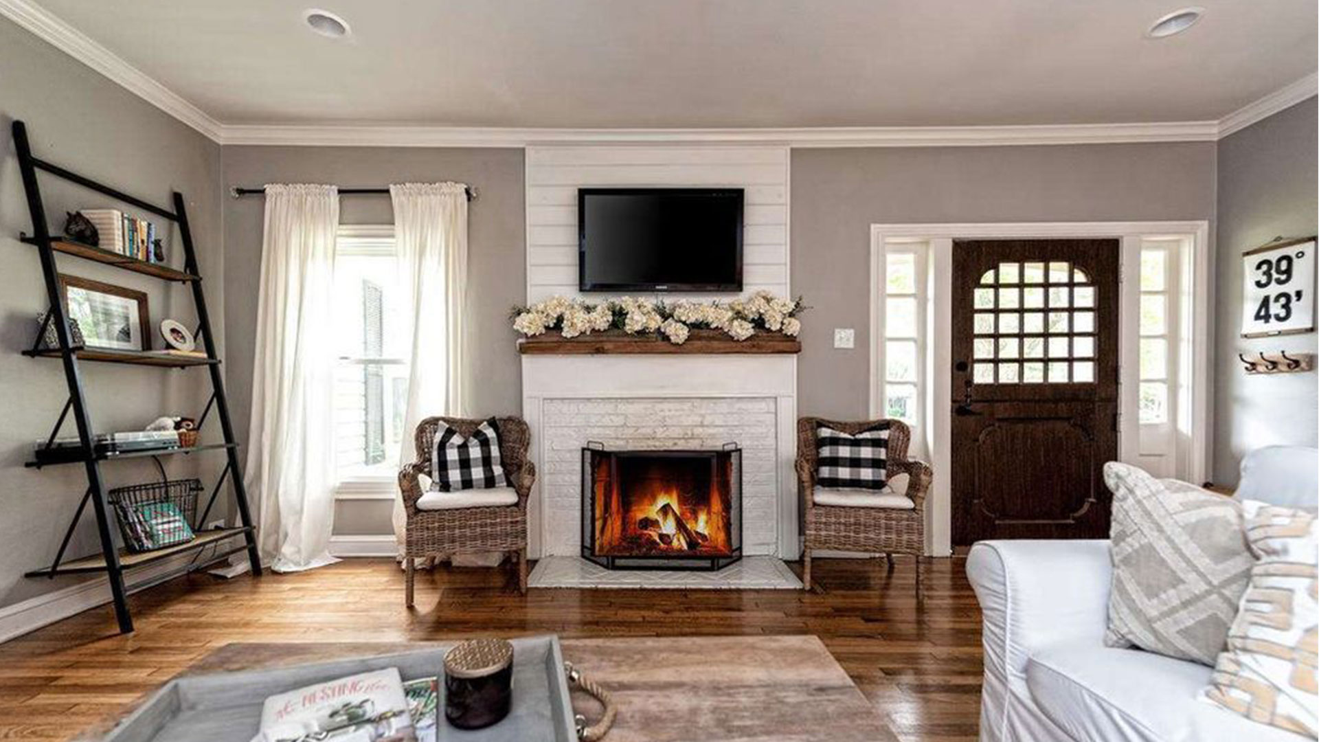 Fixer Upper Dutch Door House_Fireplace
