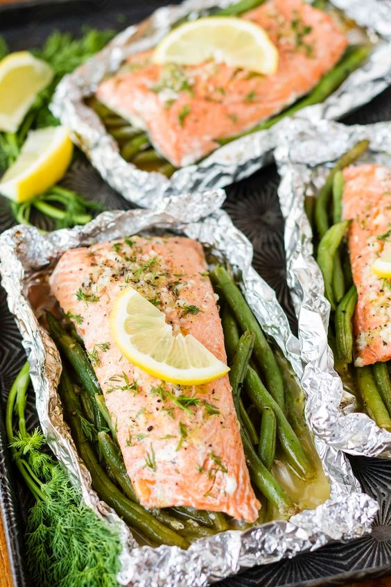 Grilled Lemony Garlic Butter Salmon in Foil Packets with Green Beans