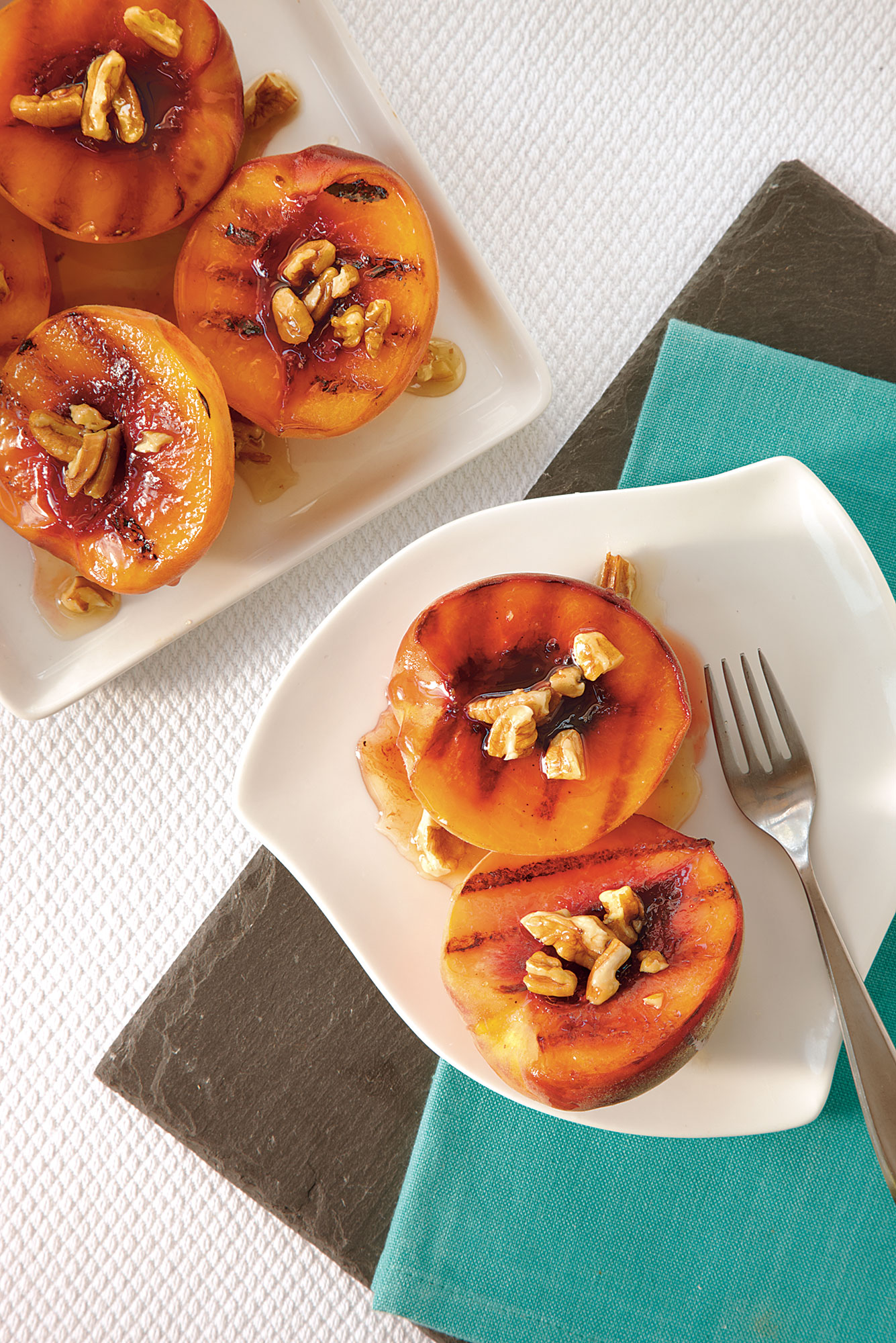 Grilled Peaches with Amaretto-Pecan Caramel Sauce