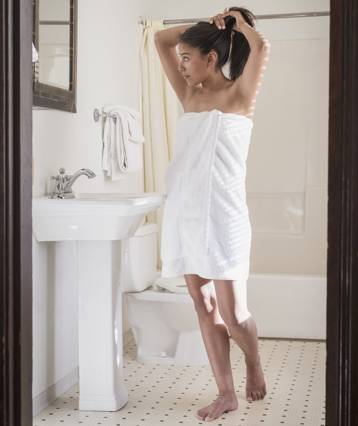 Why You Should Never Use Lotion After You Shower