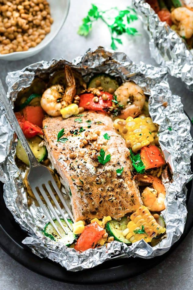 Mediterranean Salmon Foil Packets with Lentils