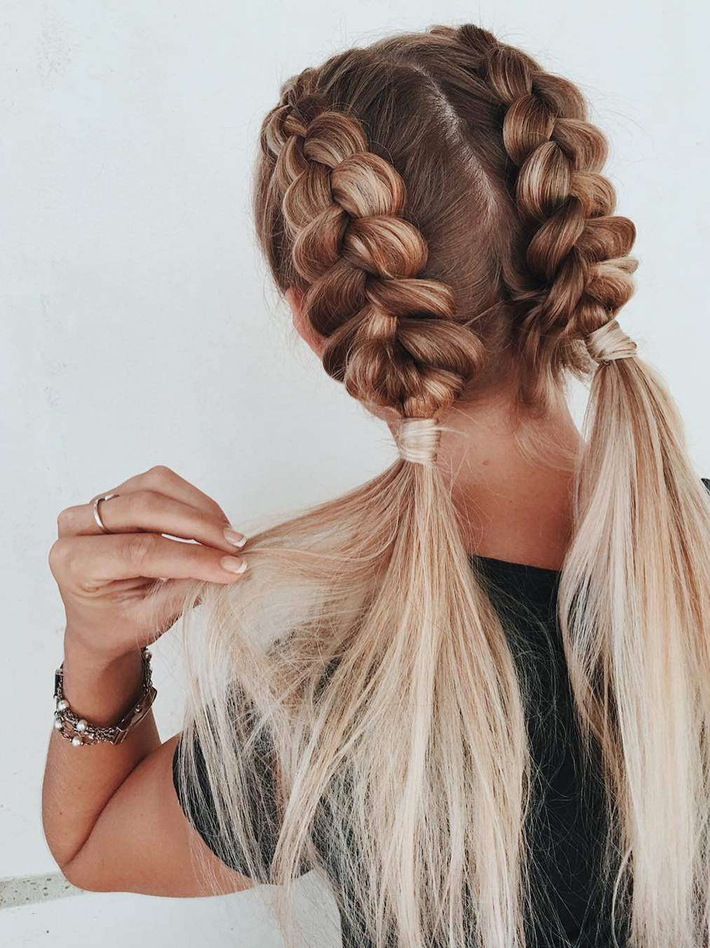 7 Braided Hairstyles That People Are Loving on Pinterest 130db87f9ebc1ff373d85f4e38a08ab3