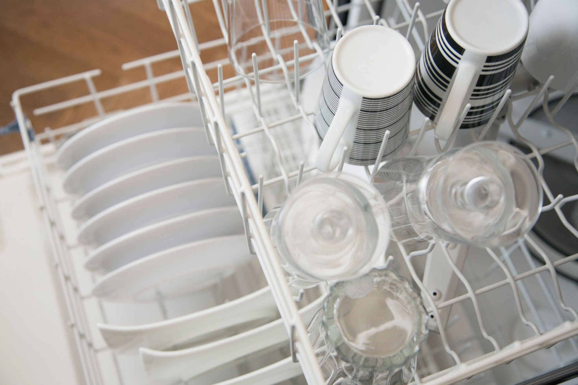 Clean White Dishes in Dishwasher
