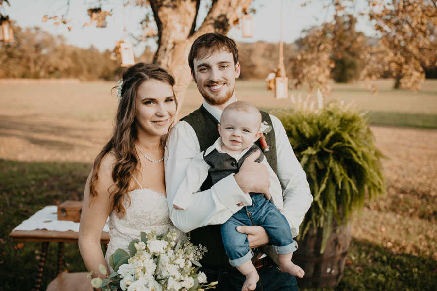 Hungry Baby Photobombs His Mom's Wedding Picture in the Most Relatable Way tayler-way-2