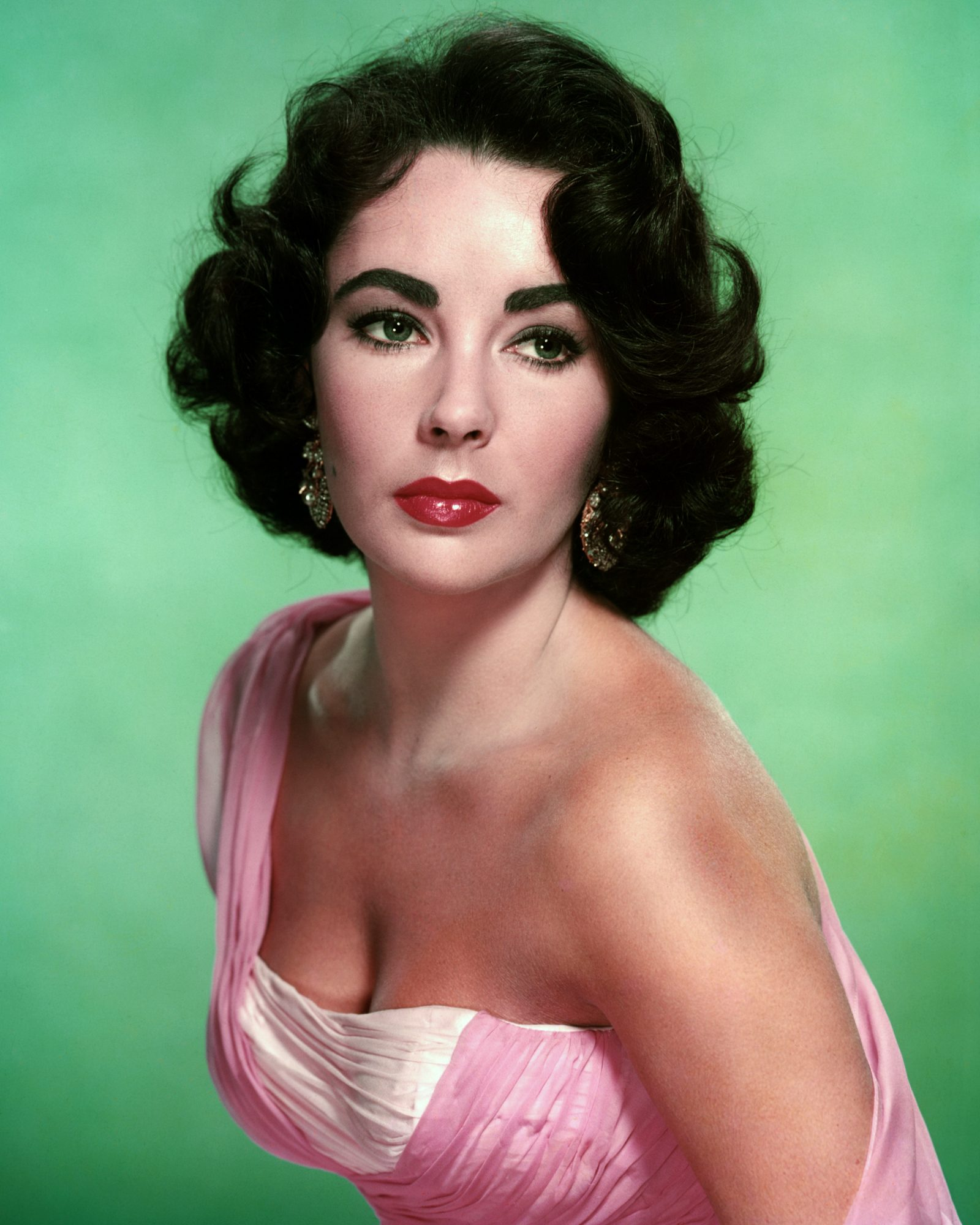 Beauty Tips Elizabeth Taylor Passed Down to Her Granddaughter