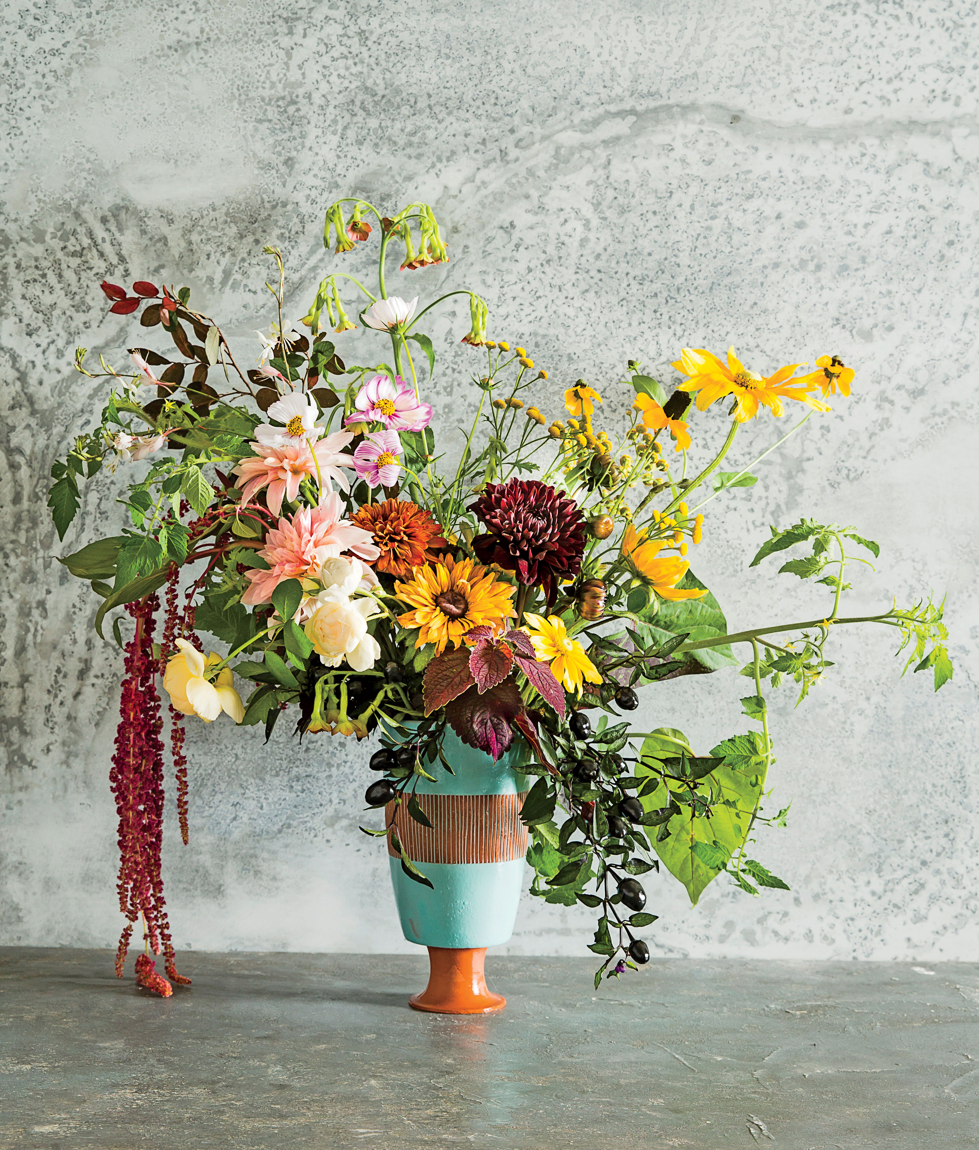 How to Arrange Flowers from Beautiful Garden Blooms - Southern Living