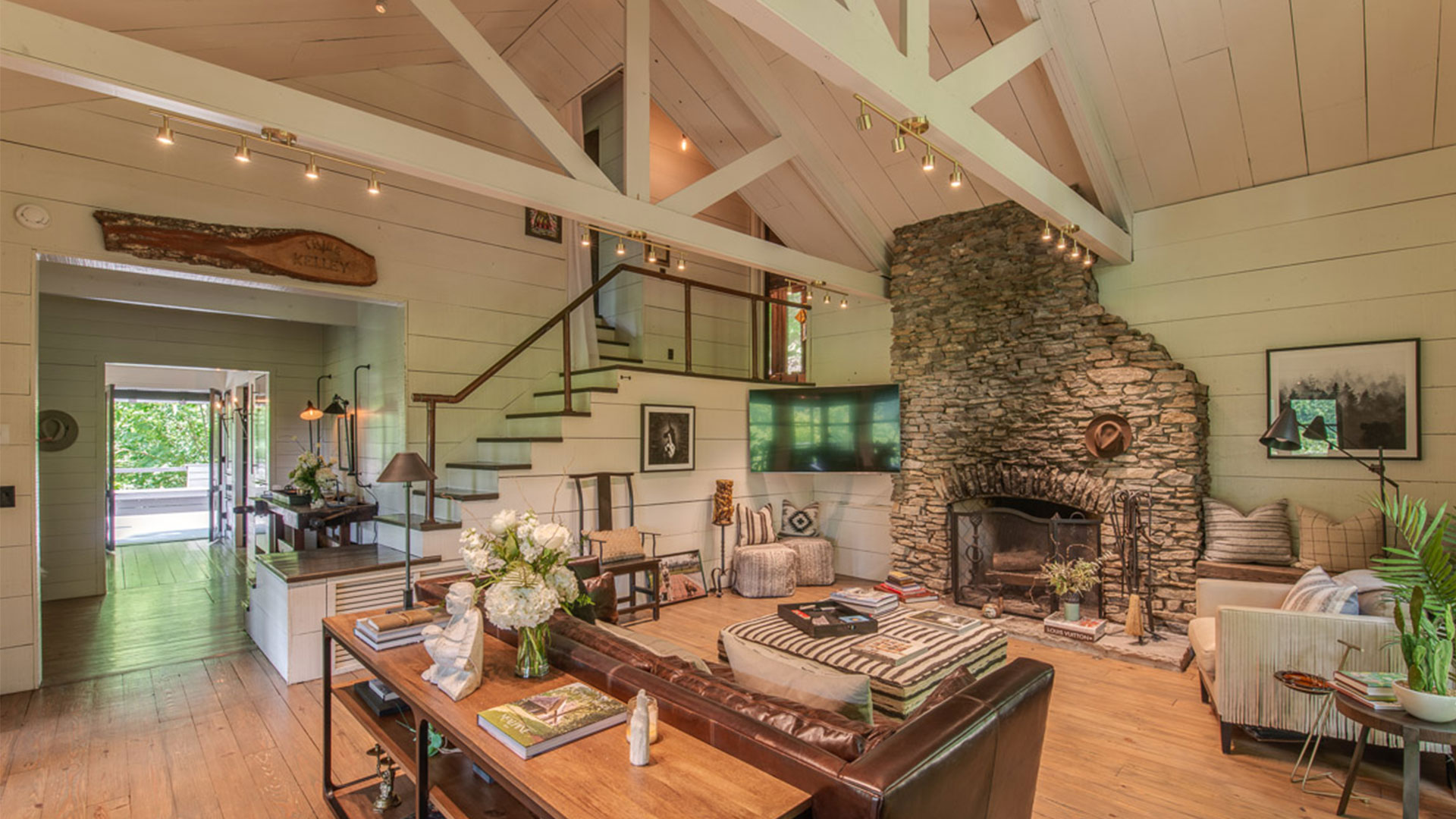 Brian Kelley Compound Living Room