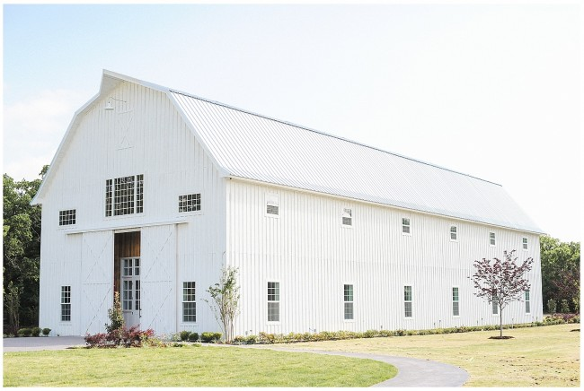 25 Breathtaking Barn Venues For Your Wedding