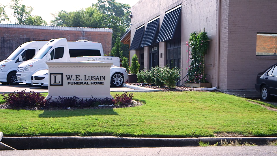 Lussian Funeral Home
