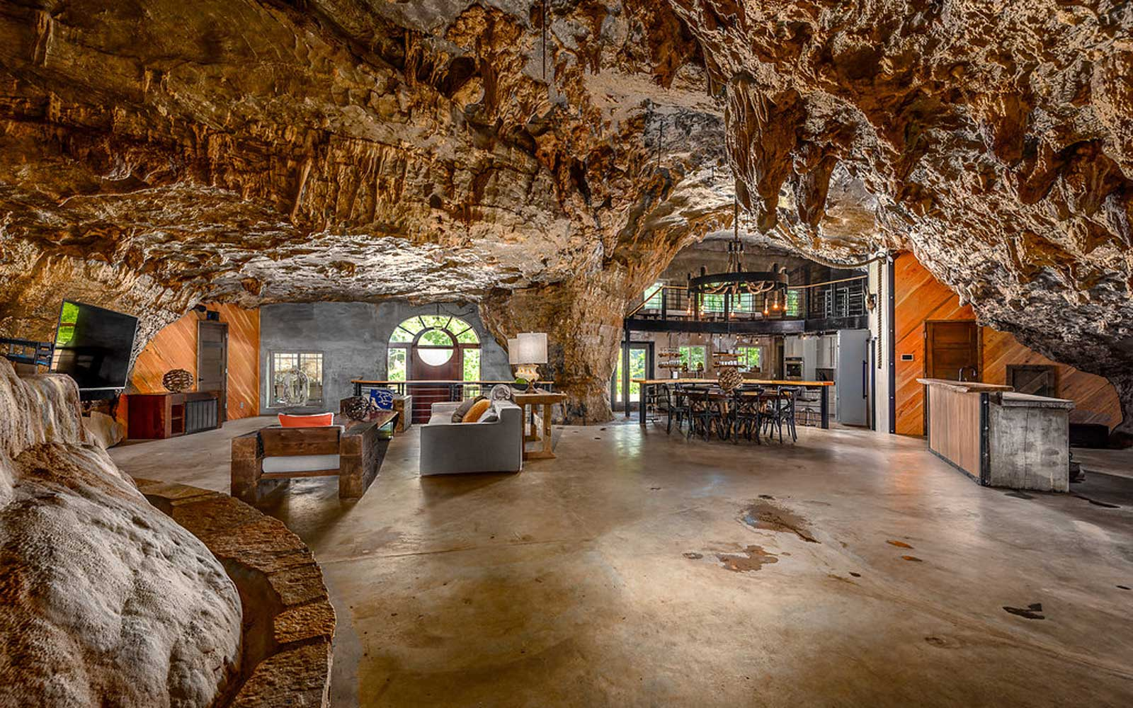 Beckham Cave House in Arkansas