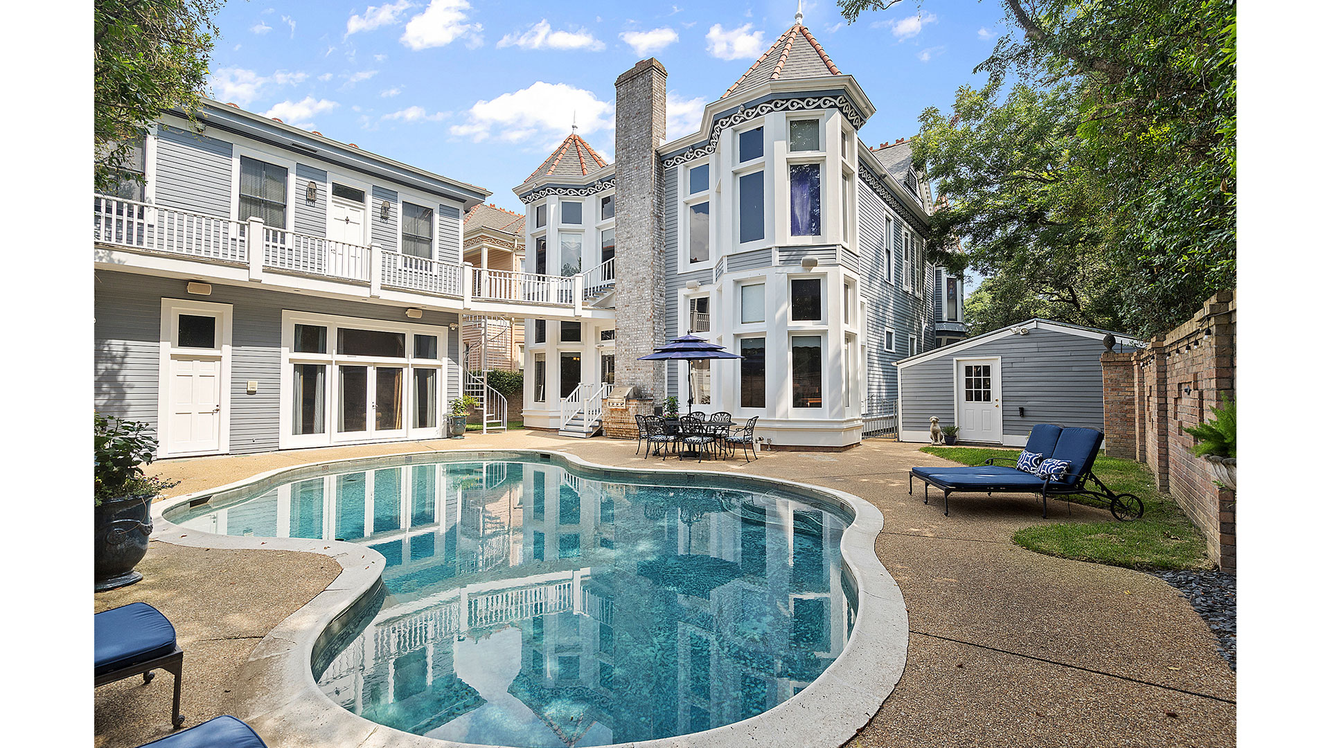 Carriage House and Pool