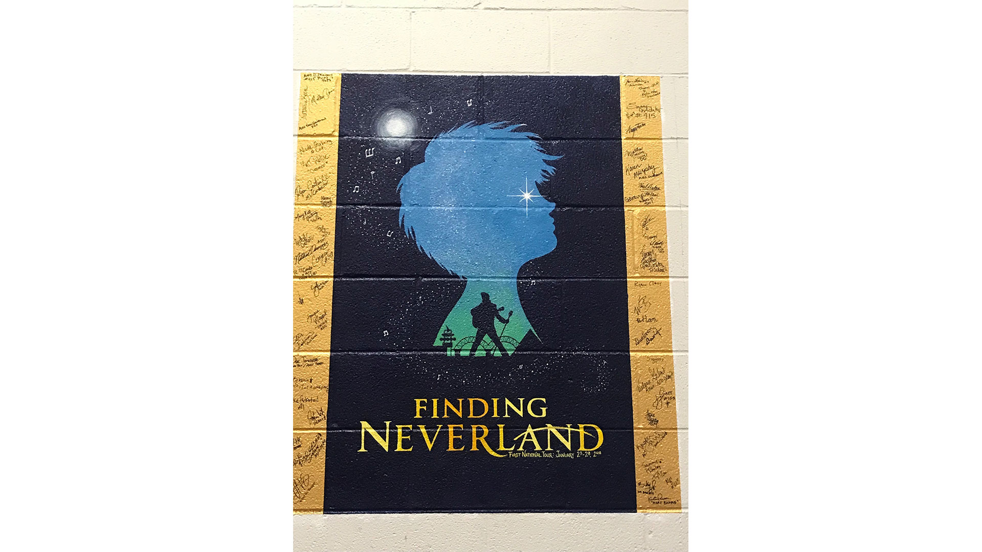 The first national tour for Finding Neverland painted a very cool tribute to not only Elvis but also the city of Memphis itself in silhouette.