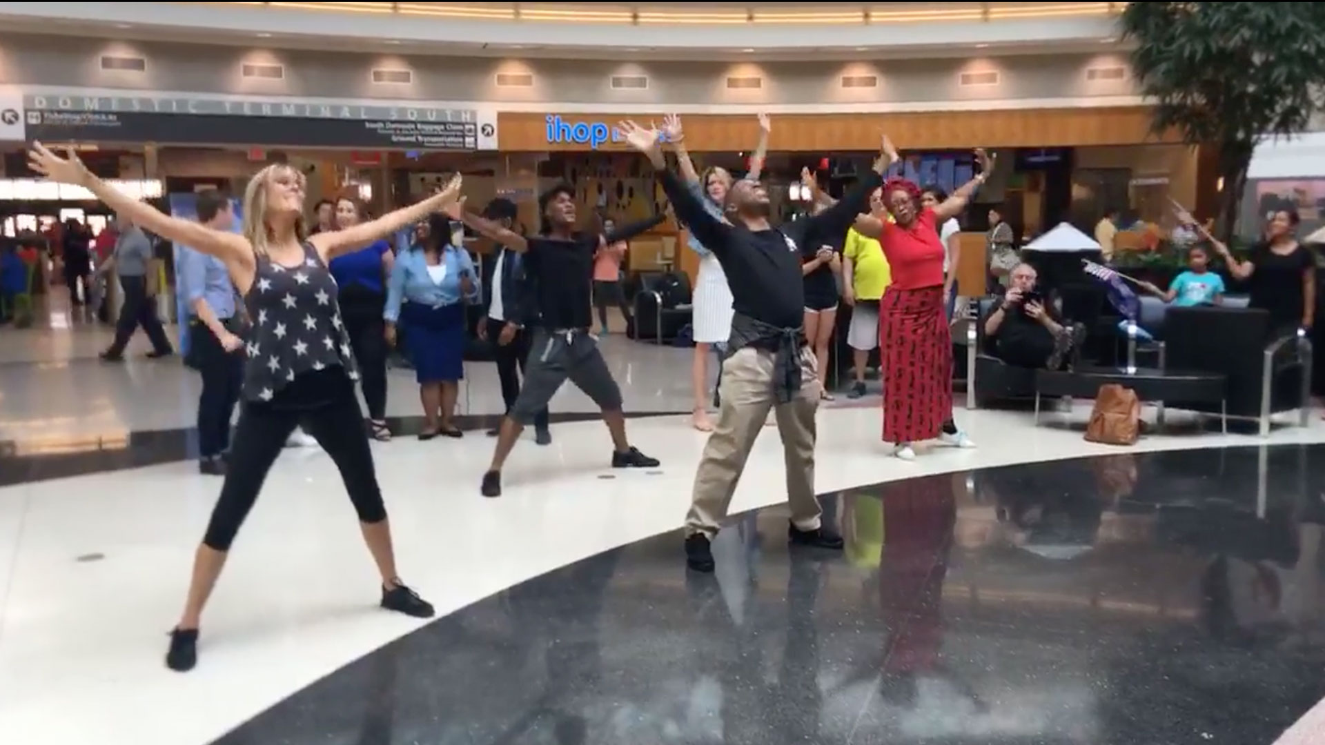 Airport Flash Mob