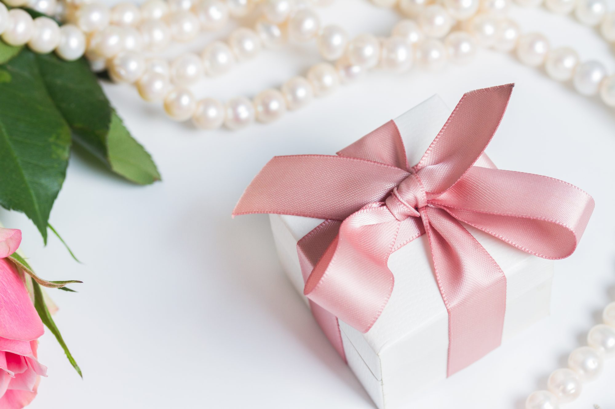 Southern Wedding Gifts: Wedding Gift Etiquette: Send A Gift If You Don't Attend A